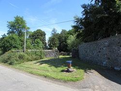 Ochiltree Churchyard
