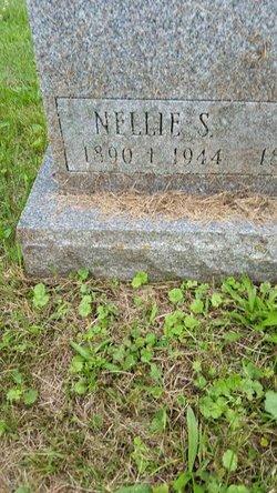 Nellie Helena <I>Singleton</I> Paro