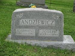 Josephine <I>Wiatrowski</I> Andziewicz