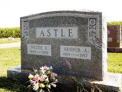 Nettie Eleanor <I>Grubb</I> Astle