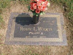 Robin L Wicker