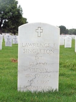 Lawrence E Singleton
