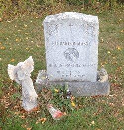 Richard R Masse