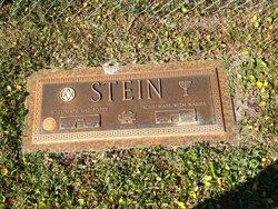 "Lenore Phyllis ""Lynn"" <I>Kyman</I> Stein"
