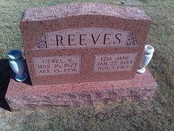 Newel V Reeves