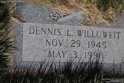 Dennis L Willuwiet