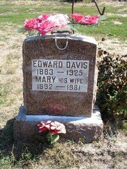 Mary <I>Smith</I> Davis