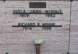 "Viola Jane ""Babe"" <I>LaCount</I> Minnie"
