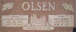 Anna Vivian <I>Anderson</I> Olsen