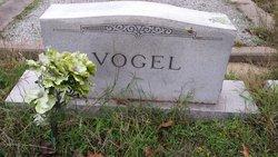 Annie Marie <I>Schucraft</I> Vogel