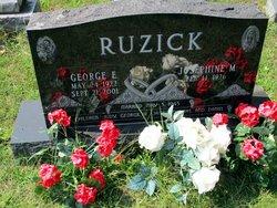 George E Ruzick