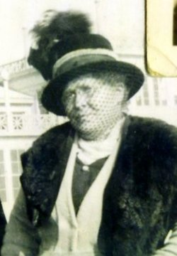 Agnes Betsy <I>Bird</I> Farnsworth
