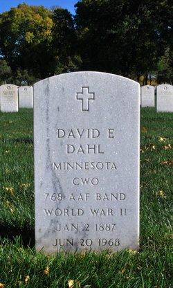 David E Dahl