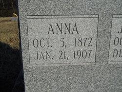 "Anna ""Annie"" <I>Mays</I> Launius"
