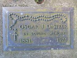 Oscar J De Steur