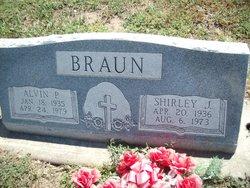 Shirley Jean <I>Weigel</I> Braun