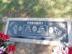 "Gloria M ""Nana"" <I>Muñoz</I> Enriquez"