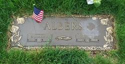Gustie E Albers