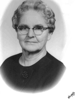 Mrs Nellie Virginia <I>Young</I> Adams