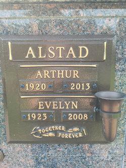 Evelyn Ann Mearne <I>Mackie</I> Alstad