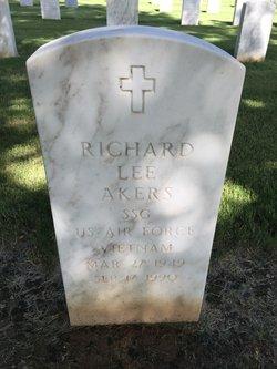 Richard Lee Akers
