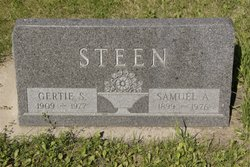Gertie <I>Stole</I> Steen