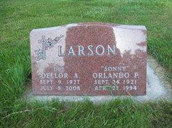 "Dellor Ann ""Dee"" <I>Ohren</I> Larson"