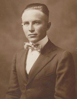 Arthur E Hultquist