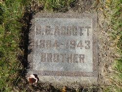 Gabriel G Abbott