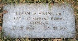 Leon D Akins, Jr