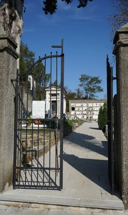 Cimitero di San Terenzo Monti
