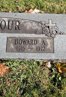 Howard Stinehour