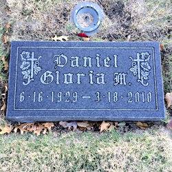 Gloria <I>Daniel</I> Sykora