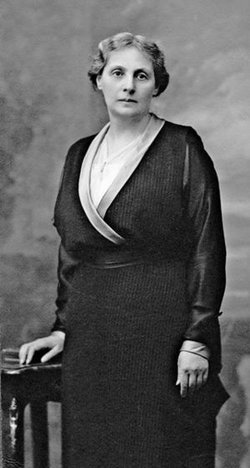 Alice Betty <I>Stern</I> Frank