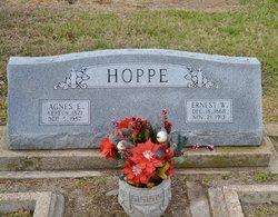 Agnes Elizabeth <I>Umland</I> Hoppe