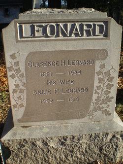 "Anna Frances ""Annie"" <I>Neal</I> Leonard"