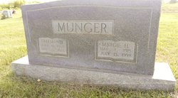 Mary Margie <I>Holder</I> Munger