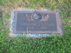 Theodore J Klunica