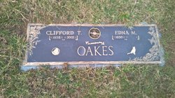 Clifford T. Oakes