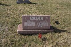 Susan <I>Slifco</I> Mack