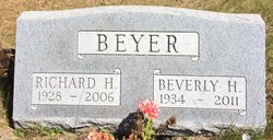 Beverly Helen <I>Campbell</I> Beyer