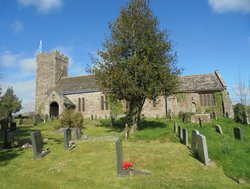 Llanvihangel Crucorney, St Michael's Churchyard