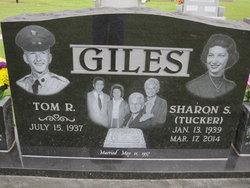 Sharon Sue <I>Tucker</I> Giles