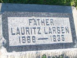 Lauritz Larsen, III