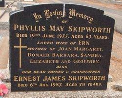 Phyllis May <I>Richards</I> Skipworth