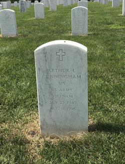 Arthur L Cunningham