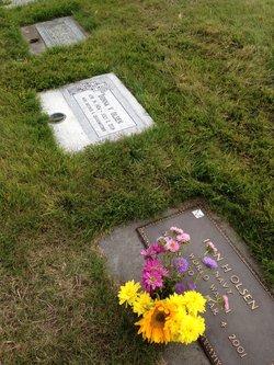 Donna Valare <I>Myers</I> Olsen