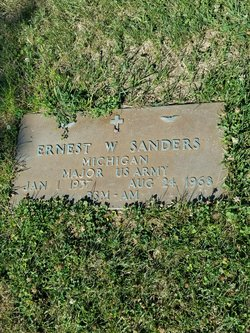 Maj Ernest W. Sanders