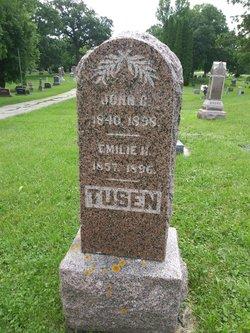 John C Tusen