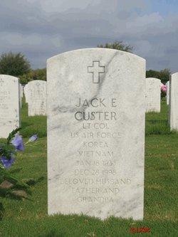 Jack E Custer